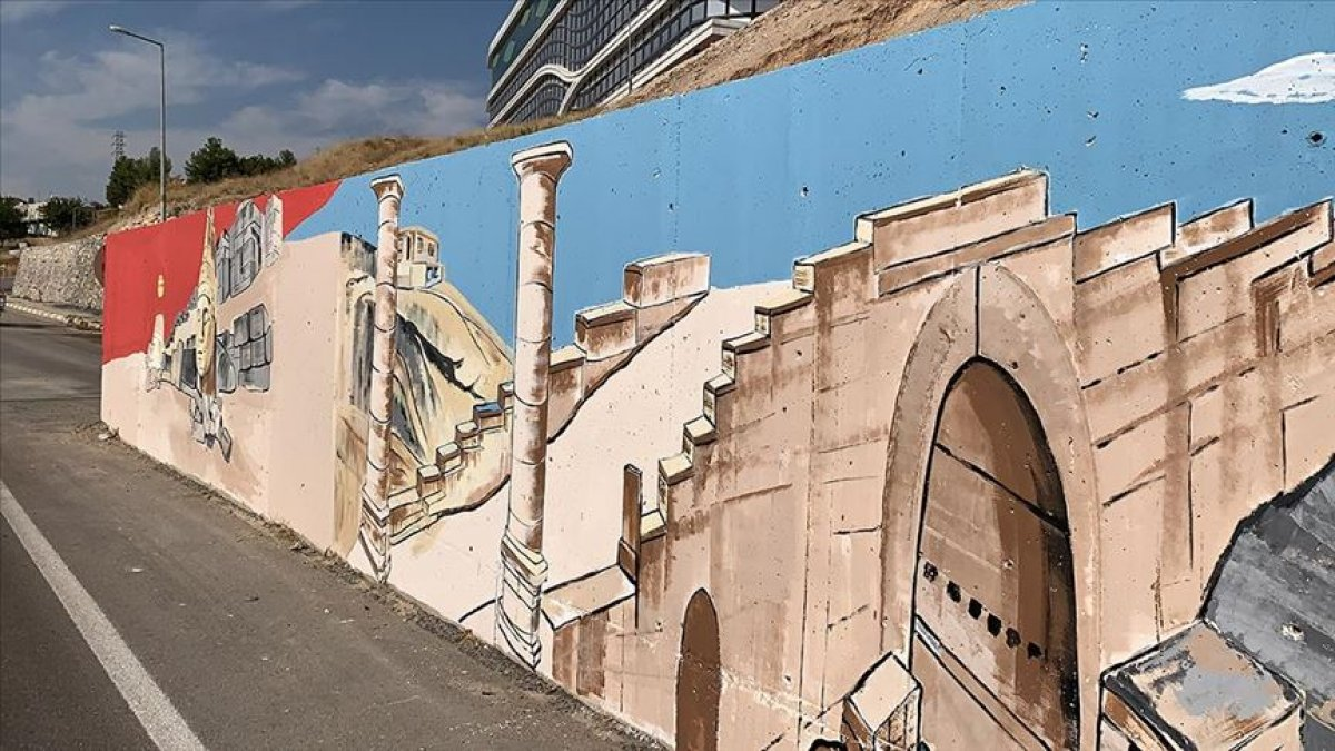 Adıyaman ın tarihi yerlerini duvarlara resmeden öğretmen #2