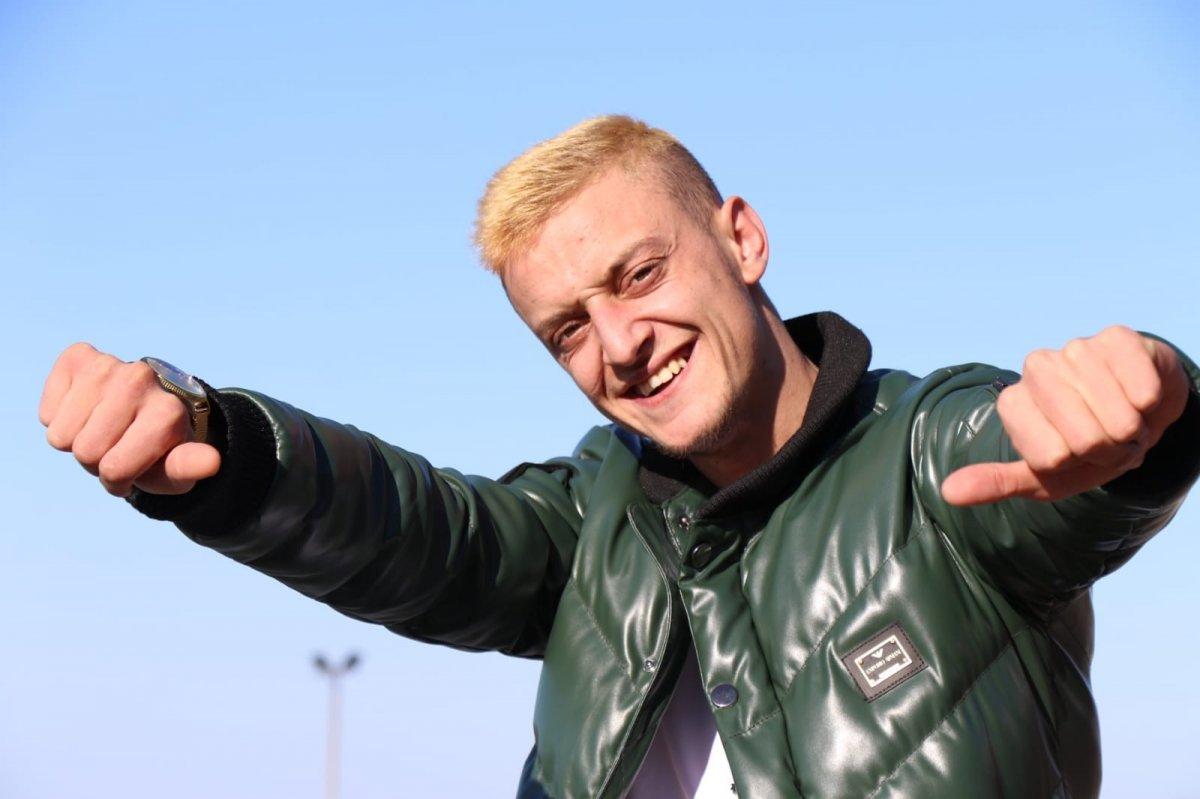 Mesut a benzeyen genç: Zonguldaklı Mustafa #1